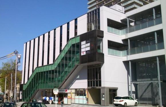 JR灘駅ビル